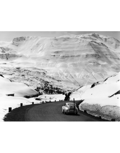 Vintage Car Photo - Porsche 356 on a Mountain Pass