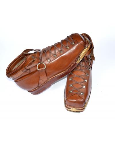 "Vintage ""KOLUMBUS"" Ski Boots"