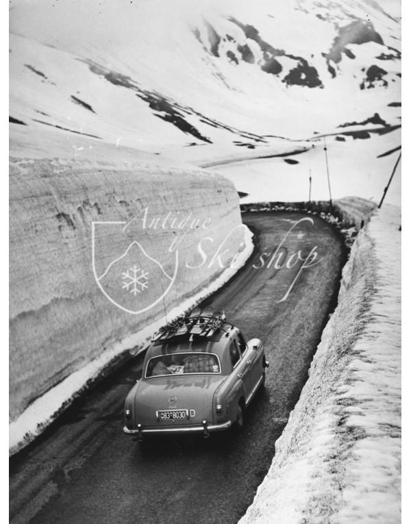 Vintage Car Photo - Mercedes 280