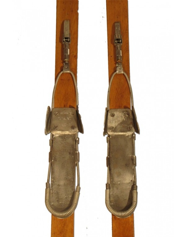 "Antique Skis ""Harvey Dodds"""