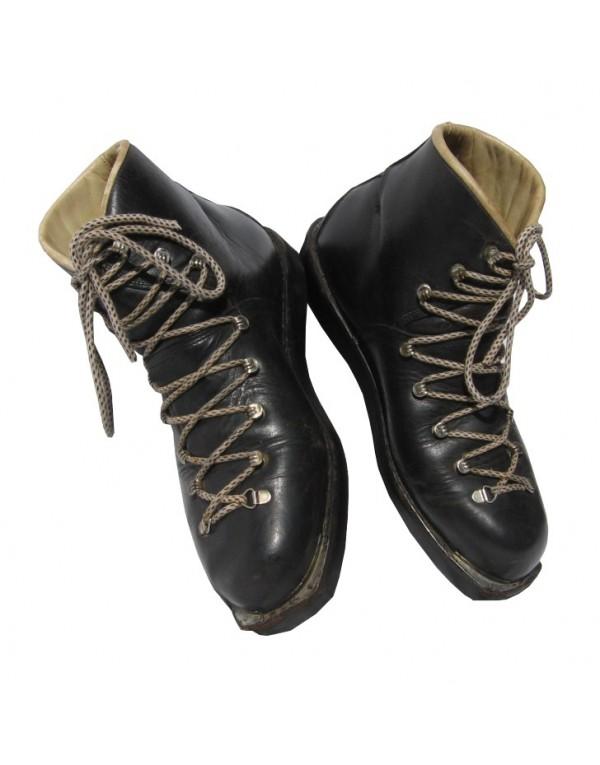 """""""VOLKL"""" Ski Boots"""
