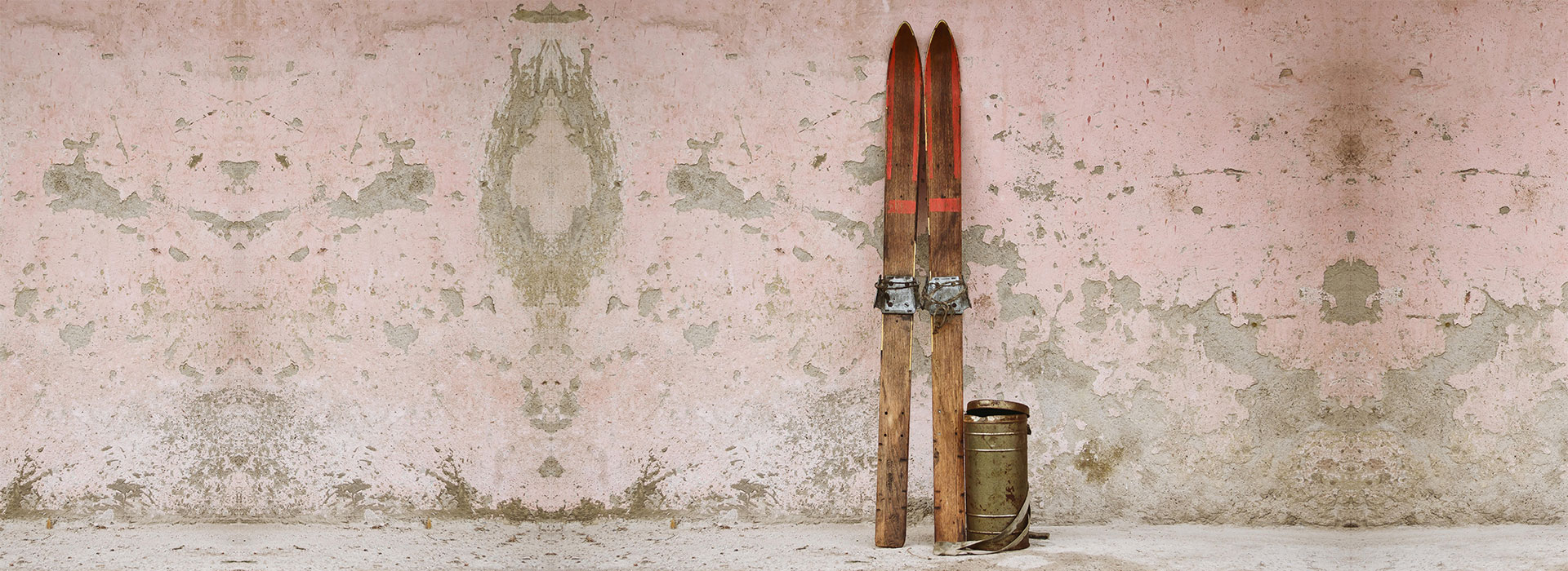 f86431843bff9 Antique Ski Shop